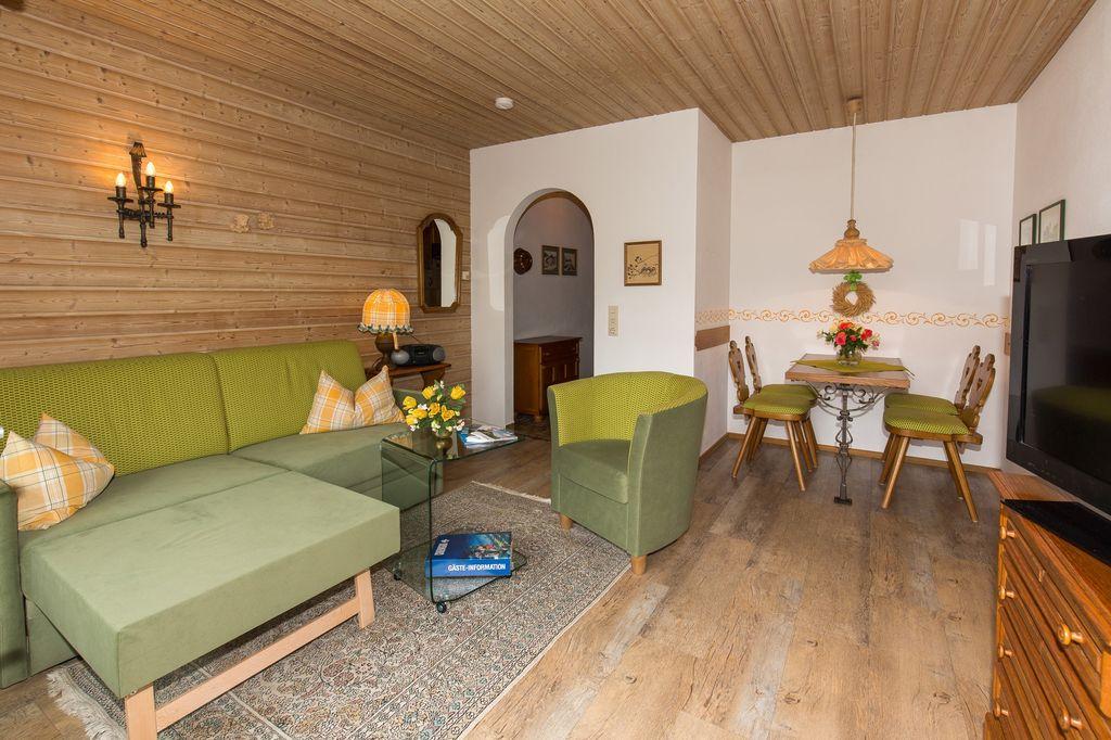 Ferienwohnungen am schloss de ruhpolding b for Wohnzimmer 40 qm