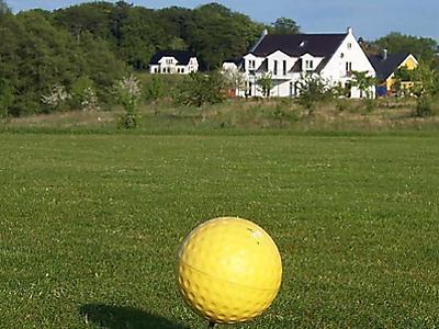 Hausansicht vom Golfplatz