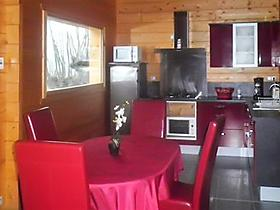 Enchanting chalet near the Lot River, Midi-Pyrénées, with heating, BBQ, terrace and mountain views in Espalion, Aveyron für 5 Personen (Frankreich)