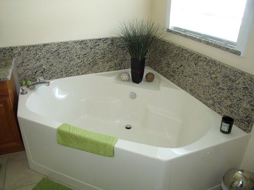 Eckbadewanne modern  Badezimmer Mit Eckbadewanne Modern: Bad ideen aus essen ...