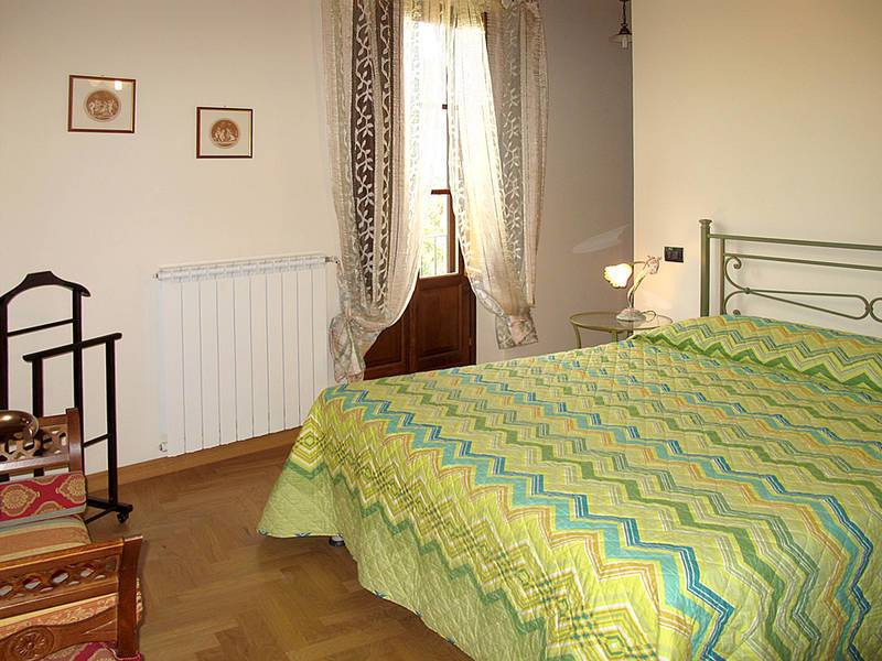 ferienhaus casa vacanze i colletti in alberghi f r 6 personen bei tourist online buchen nr 919212. Black Bedroom Furniture Sets. Home Design Ideas