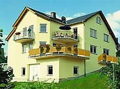 """Ferienwohnung Appartments STIFTSHOF 3-Bettwohnung """"RIESLING"""" in Enkirch, Mosel-Saar für 3 Personen (Deutschland)"""