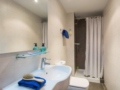 ferienwohnung estartit costa appartement 4 zimmer f r 7 personen klimaanlage standard in l. Black Bedroom Furniture Sets. Home Design Ideas