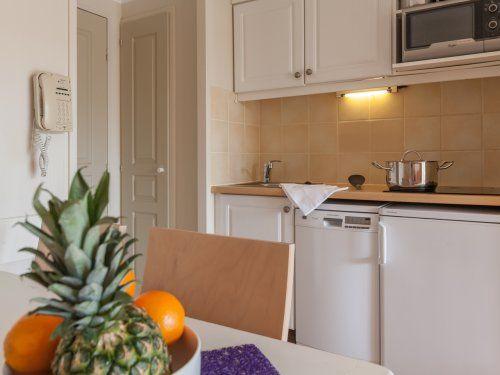 ferienwohnung le hameau de la pin de appartement 2 zimmer f r 4 personen klimaanlage standard. Black Bedroom Furniture Sets. Home Design Ideas