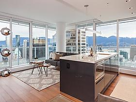 Brand New Oceanview Executive Suite in Vancouver, British Columbia, Kanada