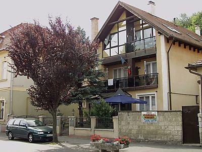 Ferienhaus Viki mit 2 Ferienwohnungen für 4 und 8 Personen