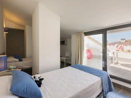 ferienwohnung estartit costa appartement 4 zimmer f r 7. Black Bedroom Furniture Sets. Home Design Ideas