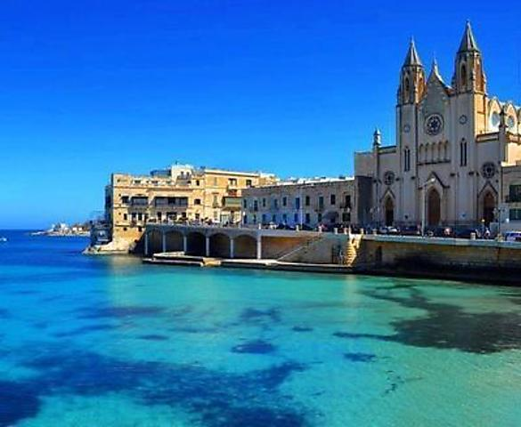 Sliema - less than 10 minutes on foot away!