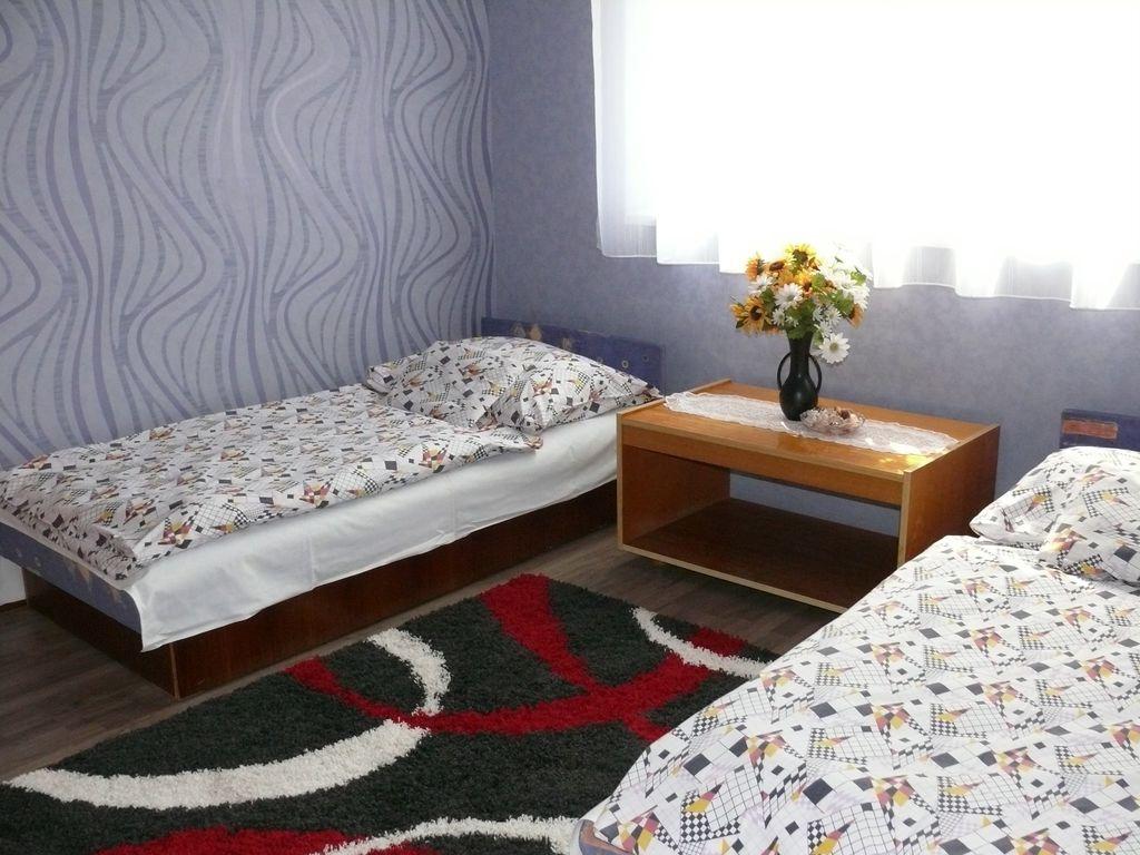 ferienhaus mit klimaanlage in balatonm riaf rd f r 4. Black Bedroom Furniture Sets. Home Design Ideas