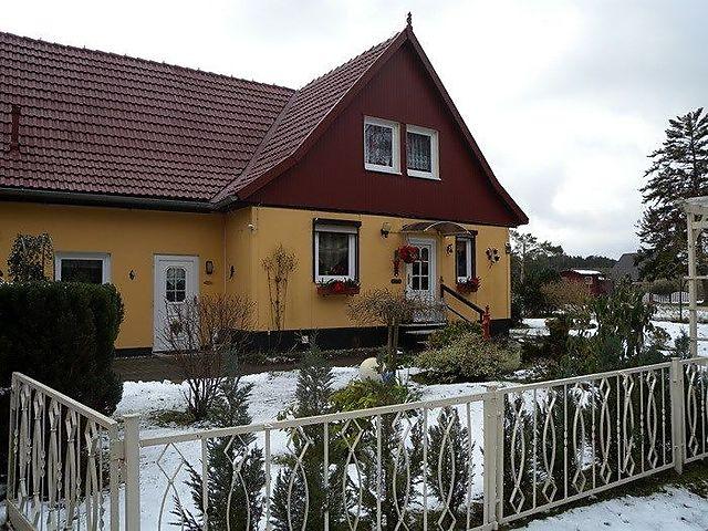 Ferienwohnung Mit Kamin Und Uberdachter Terrasse In Fuhlendorf Fur 4