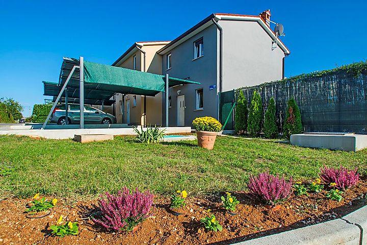 Sommerküche Ausstattung : Ferienhaus mit pool und sommerküche mit grill in labin für 12