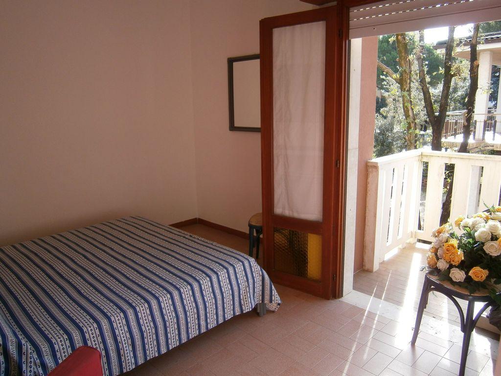 ferienwohnung mit klimaanlage in bibione f r 8 personen 2 schlafzimmer hund erlaubt bei. Black Bedroom Furniture Sets. Home Design Ideas