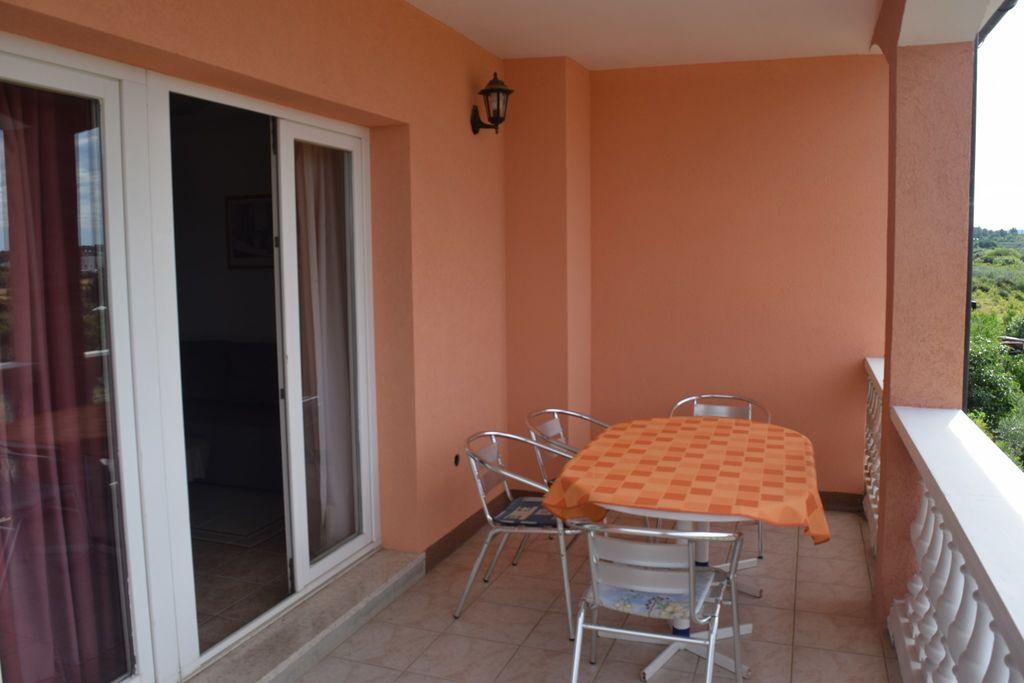 ferienwohnung mit klimaanlage in novigrad f r 5 personen. Black Bedroom Furniture Sets. Home Design Ideas
