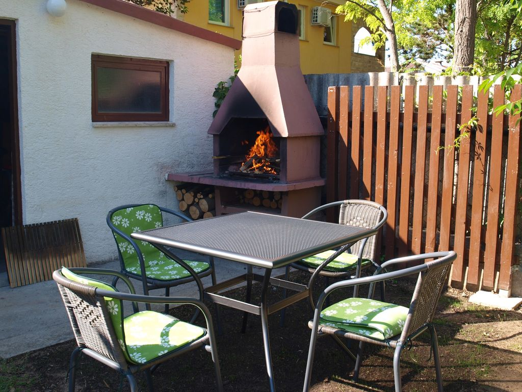 ferienwohnung mit terrasse und klimaanlage in privlaka f r. Black Bedroom Furniture Sets. Home Design Ideas