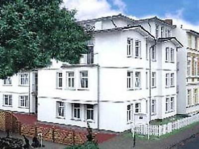 ferienwohnung haus am kurpark heringsdorf in ahlbeck. Black Bedroom Furniture Sets. Home Design Ideas