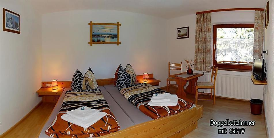 ferienwohnung keil appartement 2 9 personen in tztal bahnhof 4 schlafzimmer bei tourist. Black Bedroom Furniture Sets. Home Design Ideas