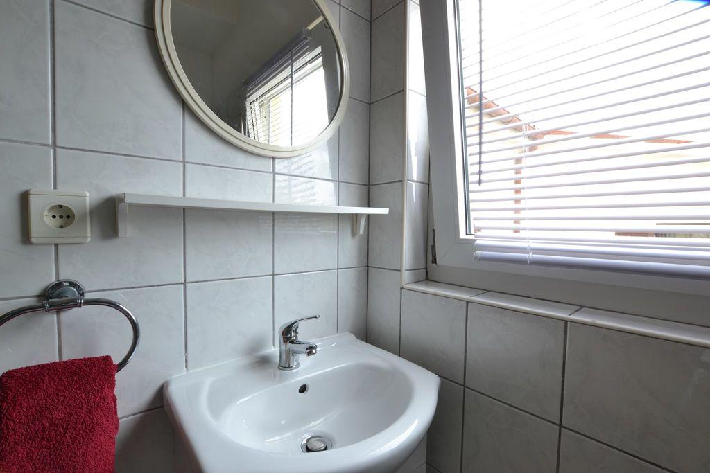 ferienwohnung mit klimaanlage in pula f r 4 personen 1. Black Bedroom Furniture Sets. Home Design Ideas