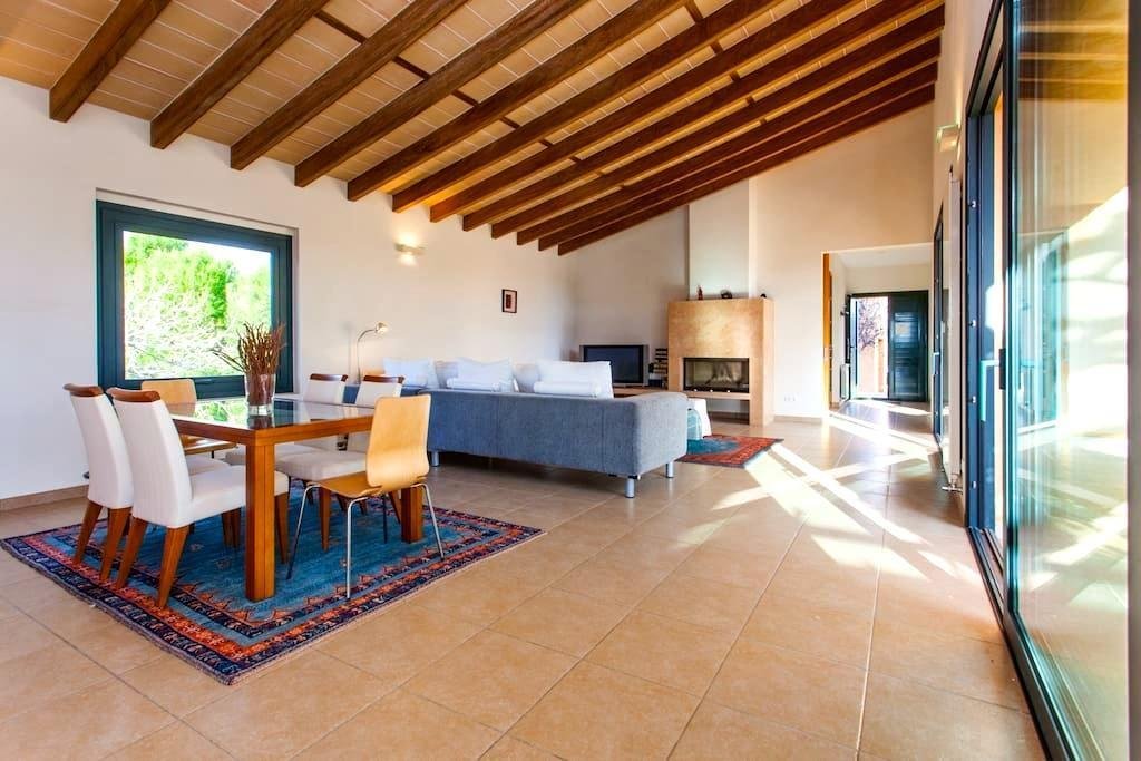 Ferienhaus Finca Rayol del Sol - moderne Pool-Finca bei Ses Salines ...