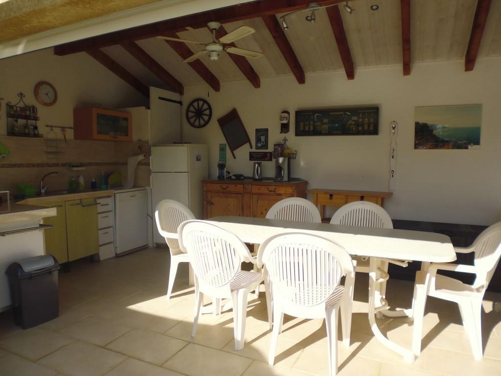 Sommerküche Für Gäste : Ferienhaus villa miramonte mit pool grosse gedeckte sommerküche