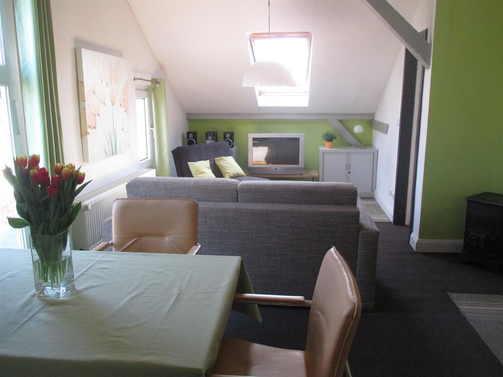 ferienwohnung altbau jugendstilvilla st j rgen ausguck in l beck f r 4 personen 1 schlafzimmer. Black Bedroom Furniture Sets. Home Design Ideas