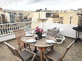 "Ferienwohnung ""SeaSpray Penthouse - St Julian's Bay"" in St. Julians, Malta für 9 Personen (Malta)"