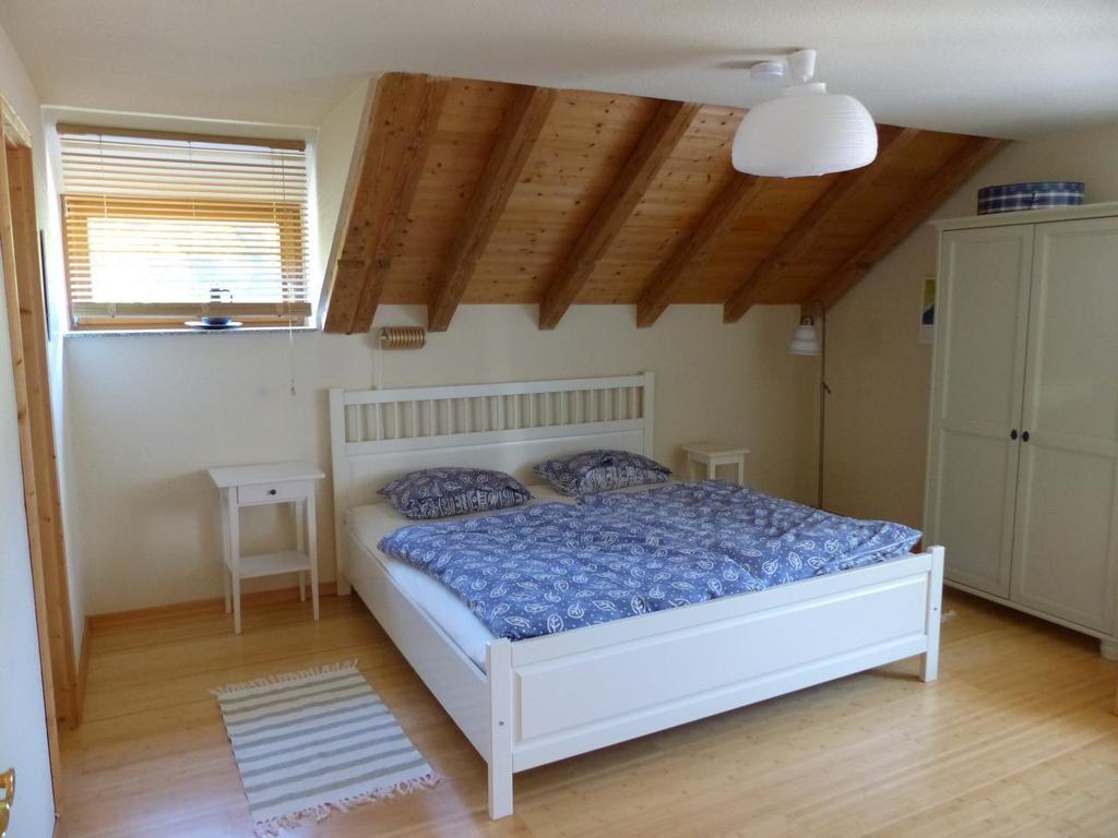 Dachwohnung Fichtennest: 2 Schlafzimmer mit jeweils Dusche / WC in ...