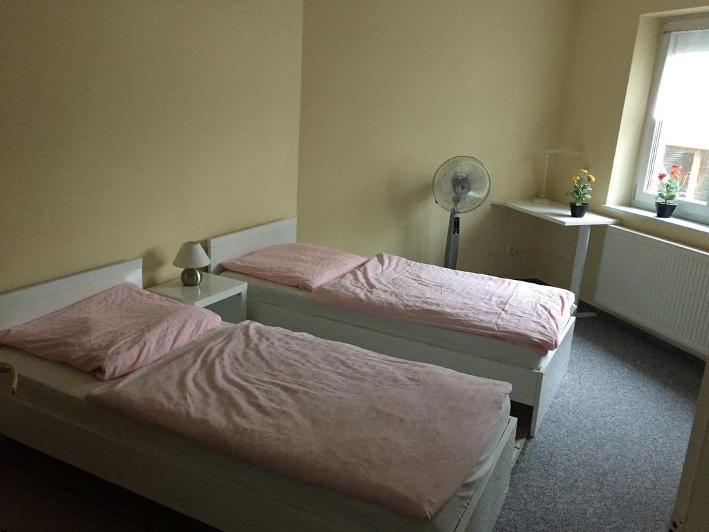 ferienwohnung mit terrasse am ostorfer see in schwerin f r 2 personen 1 schlafzimmer bei. Black Bedroom Furniture Sets. Home Design Ideas