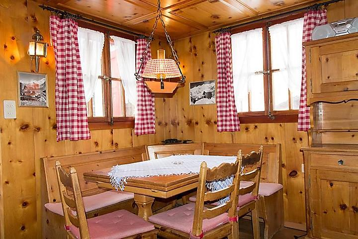 Saas-Fee_Chalet-LeCamee_Essecke