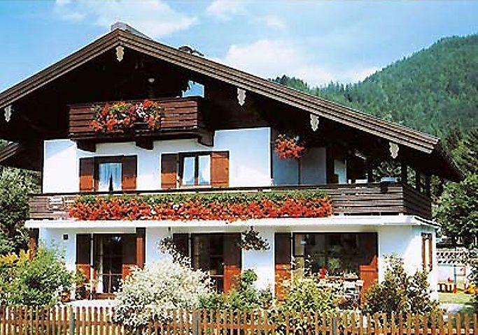 Gästehaus Liebl (DE Reit im Winkl). (1) Drei-Raum-Ferienwohnung 60qm ...