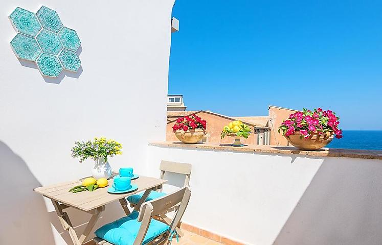 "Ferienwohnung ""Apartment with terrace with sea view,2 guests,wi-fi,laundry room,parking"" in Siracusa, Syrakus für 2 Personen (Italien) (Bild 1)"