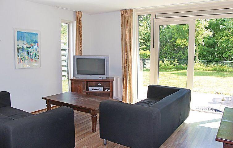 Ferienhaus Porta Isola Villa Landzijde In Stevensweert Fur 6 Personen 3 Schlafzimmer Bei Tourist Online Buchen Nr 994539