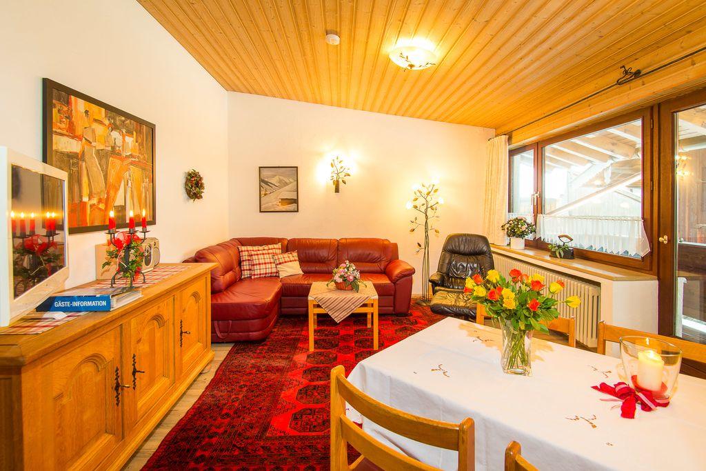 Ferienwohnungen am schloss de ruhpolding g for Wohnzimmer 45qm