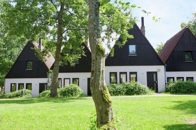 Gartenmobel Aus Holz Richtig Pflegen : Ferienhaus Center Parcs Eifel in Gunderath für 4 Personen bei tourist