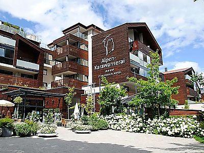 Modernes wellnesshotel alpen karawanserai mit toller for Modernes wellnesshotel
