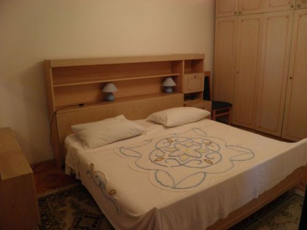 ferienwohnung mit klimaanlage in porec f r 4 personen 2 schlafzimmer bei tourist online buchen. Black Bedroom Furniture Sets. Home Design Ideas